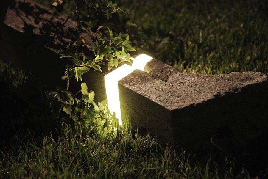 Marco stefanelli brecce arboles reciclados con for Iluminacion para arboles